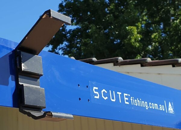 SCUTE Roof Rack Bracket on Awning Bar